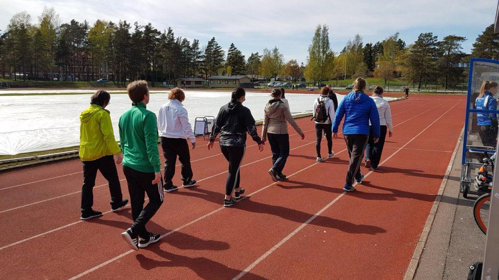 HUS collaborated with the Cities of Helsinki, Vantaa and Espoo to organize walking schools and campaigns during Mobility Week.